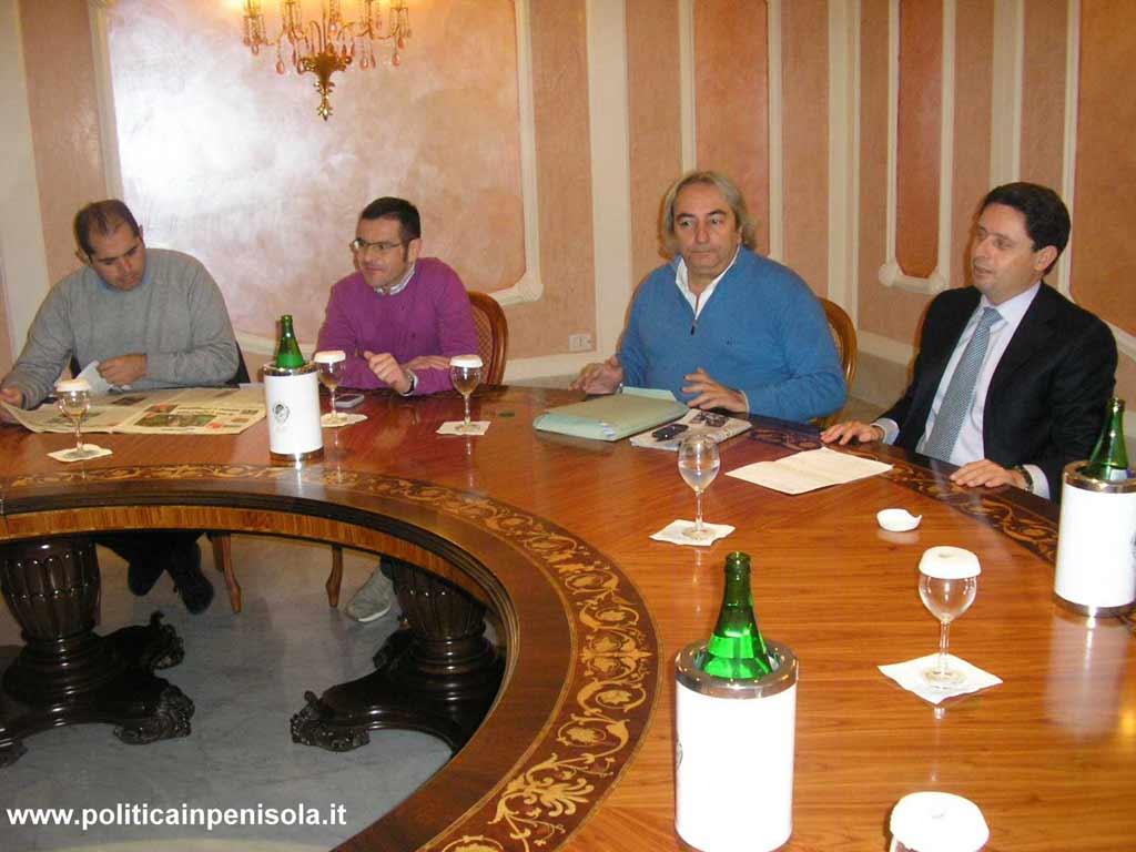 Hotel La Pace 21 novembre 2010 Conferenza Stampa di Sagristani che annuncia la sua ricandidatura a S.Agnello