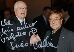 Raffaele Lauro con Lucio Dalla. Foto con dedica.