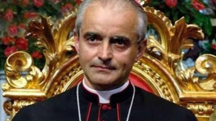Vescovo Arturo Aiello