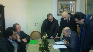 I Sindaci alla firma dell'accordo